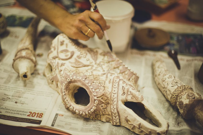 陶芸の釉薬掛け モザンビーク陶芸